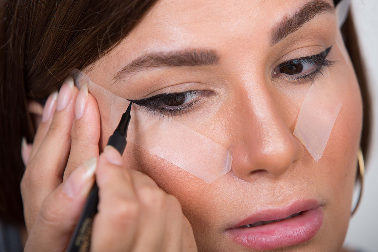 Use Scotch Tape For Cat Eye Liner