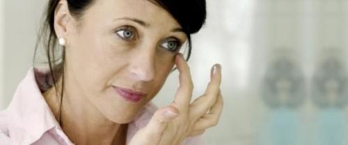 كيف تتخلصين من رواسب الكولسترول حول عينيك؟