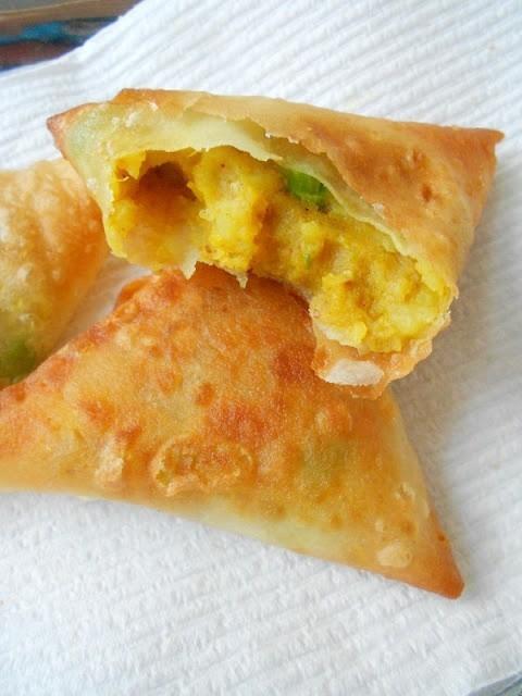 طريقة تحضير سمبوسة البطاطا الهندية