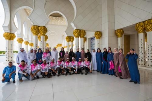 """""""مهرجان الخير لأم الخير"""" يستقبل القافلة الوردية في أجواء احتفالية وتراثية"""