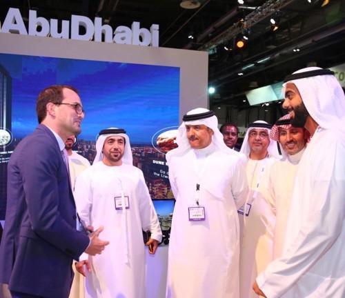الأمير سلطان بن سلمان يزور سوق السفر العربي 2017