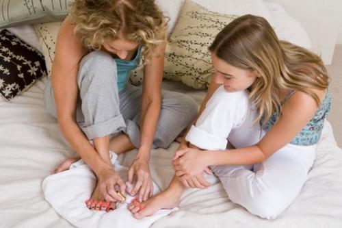 8 نشاطات تساعدك على تحسين علاقتك بابنتك