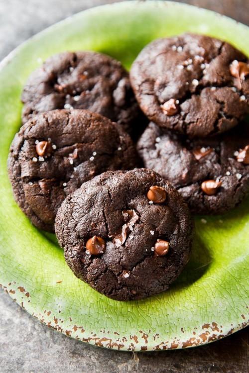 خالي من الطحين: طريقة تحضير كوكيز الشوكولا اللذيذة
