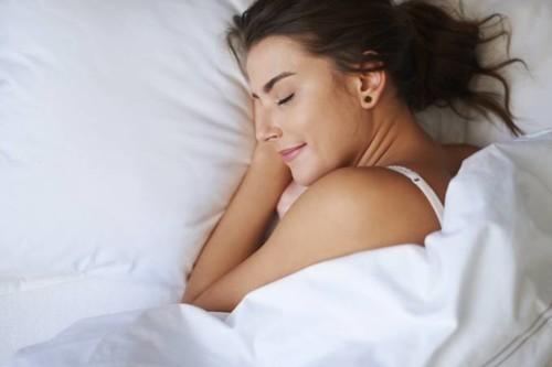 ارتداء حمّالة الصدر أثناء النوم: صح أم خطأ؟