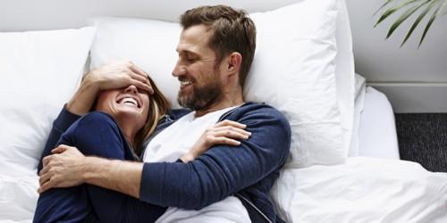 هل السعادة مرتبطة بالعلاقة الحميمة؟