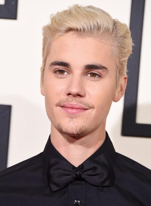 هل قام Justin Bieber بنشر رقمه الخاص؟
