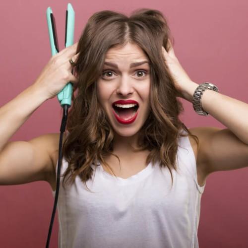8 أخطاء تقترفينها أثناء استخدام مملس الشعر