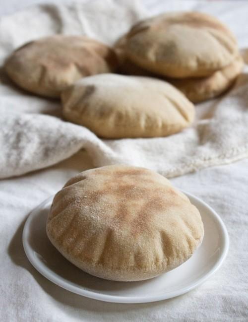 حضري خبز لبناني في المنزل