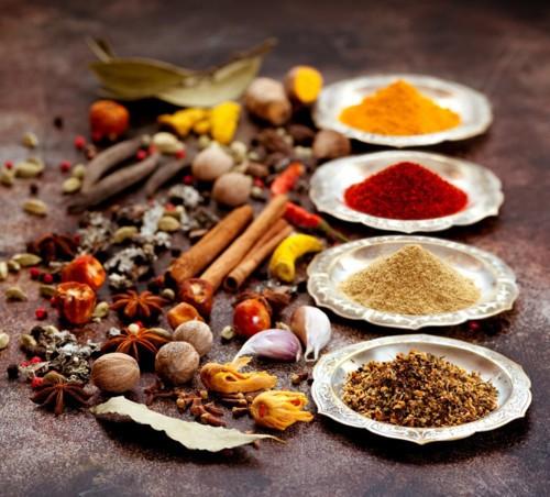 5 توابل تنكّه الأطباق الهندية، فما هي؟