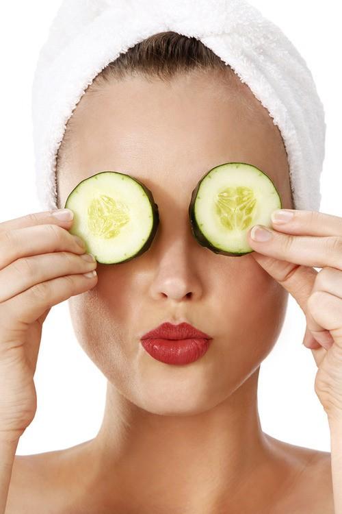 4 طرق طبيعية لعلاج إنتفاخ منطقة تحت العين