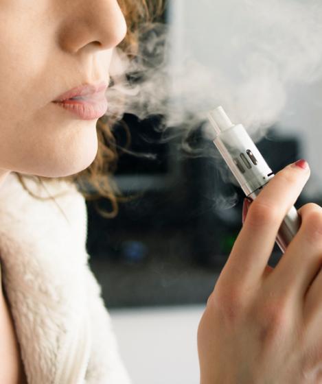 ما هي أضرار السجائر الإلكترونية؟