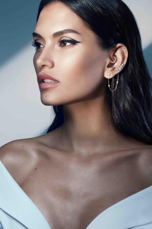 ماريا تاش ومجوهرات ثقب الأذن في دبي!