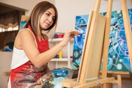 هل يساعد الرسم على التخفيف من أعراض الاكتئاب؟