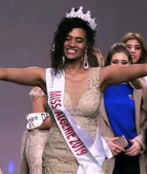 ملكة جمال الجزائر ترد على منتقديها!
