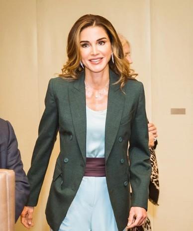 الملكة رانيا تكشف حقيقة أسعار ملابسها الخيالية