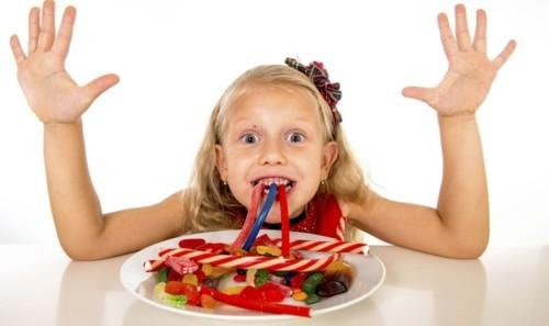 ما كمية السكر المسموحة للأطفال يومياً؟