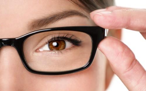 تناول حبوب الصنوبر يساعد على تحسين صحة النظر