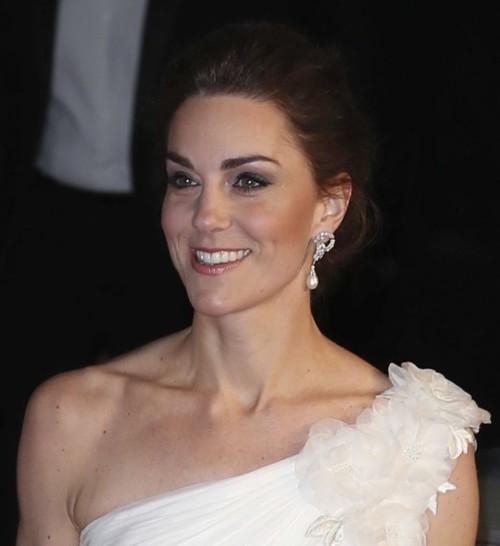 كيت ميدلتون تنافس نجمات البافتا وتكرّم الأميرة ديانا