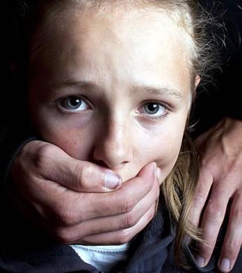 من المسؤول عن التحرش بالأطفال عبر الفضاء الرقمي؟