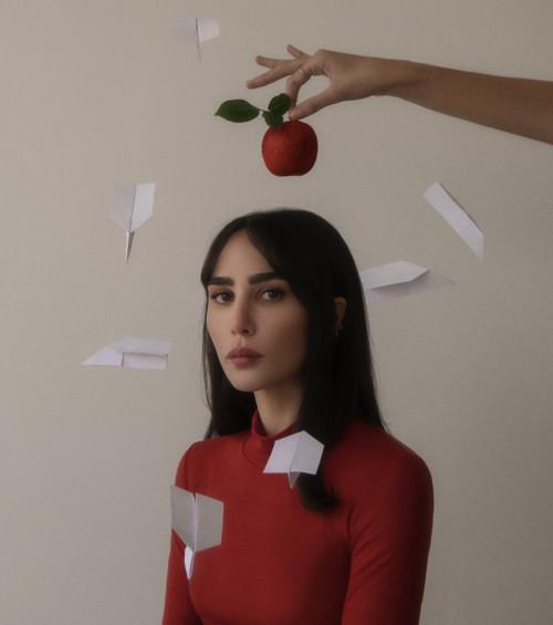 """بالفيديو: دانا حوراني تطلق """"إلا إنت"""""""