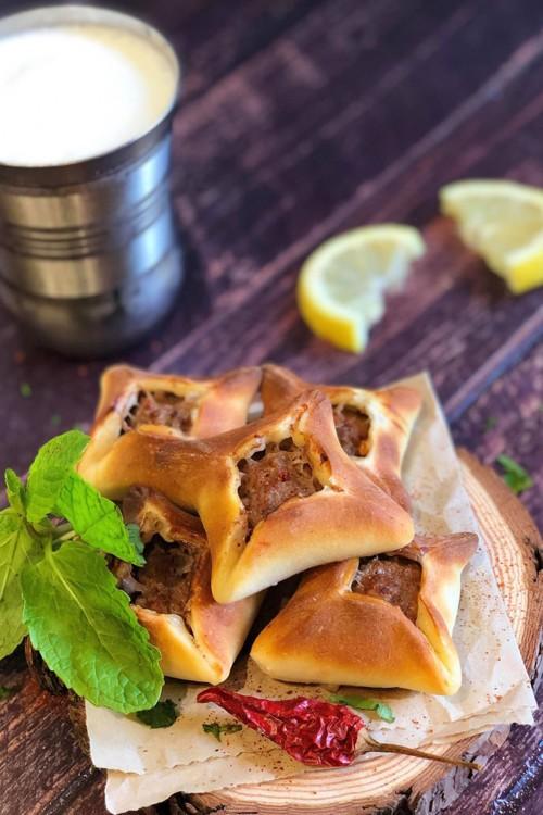 طريقة عمل السفيحة اللبنانية باللحم