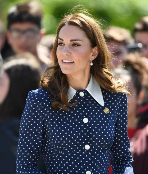 كيت ميدلتون تعيد ارتداء فستانها القديم بكل اناقة
