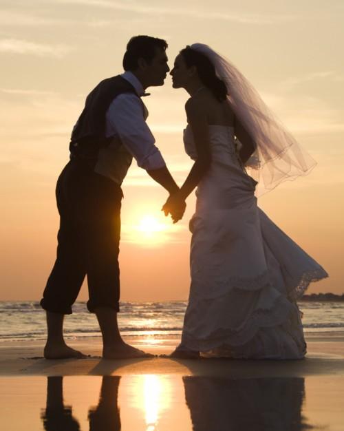 ما هي مقومات الزواج الناجح؟