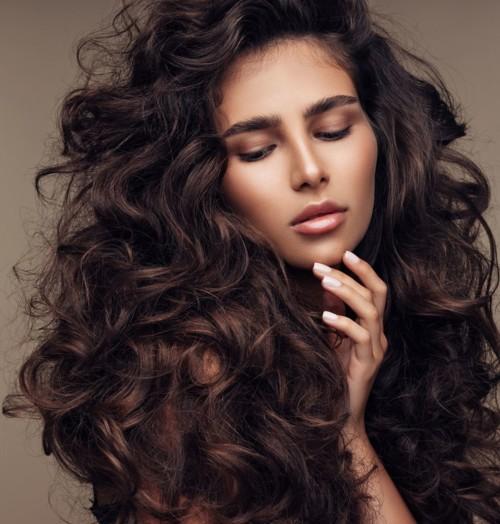 5 طرق طبيعية مضمونة لإنبات الشعر