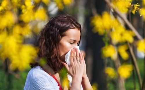 4 نصائح سحرية للتخلّص من نزلات البرد الصيفية