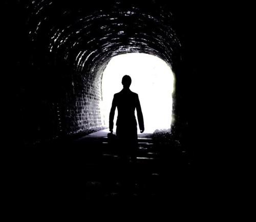 الضوء في آخر النفق