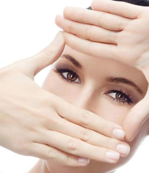 طرق طبيعية لعيون جميلة وجذابة