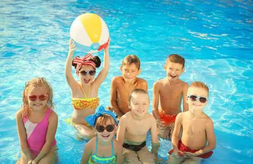 كيف تستمتعين بالسباحة دون الإصابة بالمرض؟