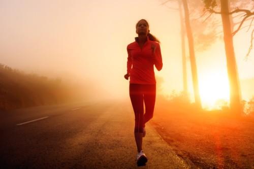 ما هي فوائد المشي في الصباح؟