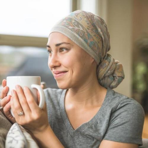 5 نصائح للتعامل مع الشعر المتساقط خلال العلاج الكيميائي