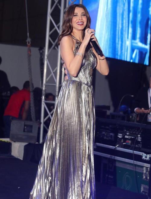 إطلالات النجمات العرب تُشعل ليلة رأس السنة