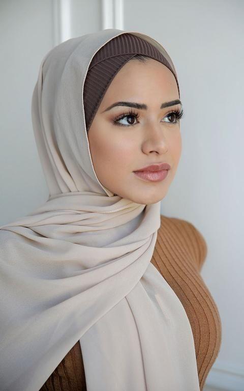 5 حيل مكياج للحفاظ على نظافة حجابك