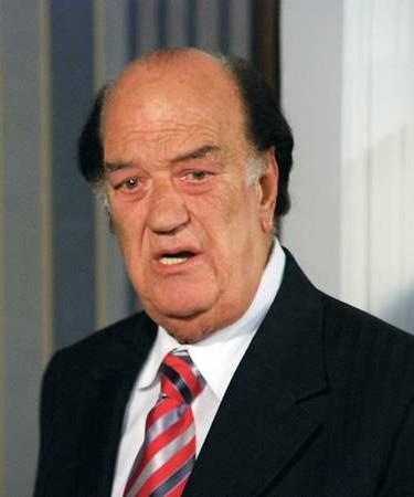 وفاة الفنان الكبير حسن حسني عن 89 عامًا