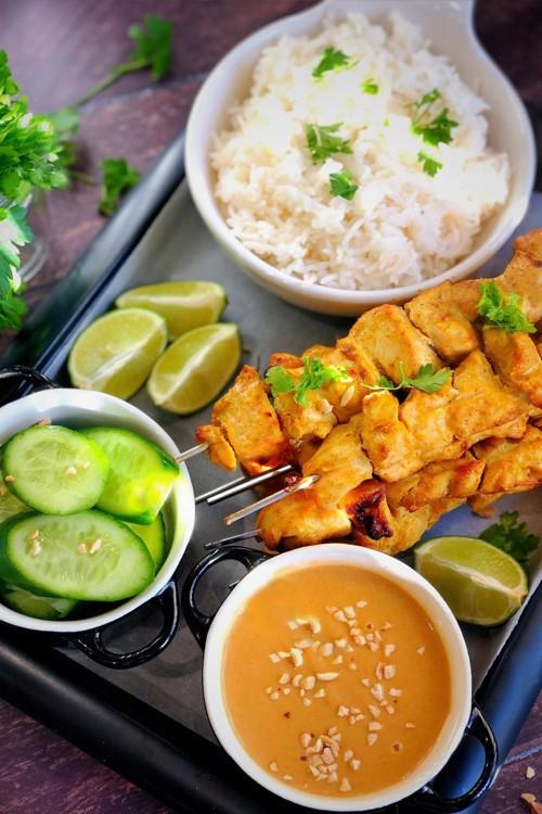 دجاج تايلاندي بزبدة الفول السوداني