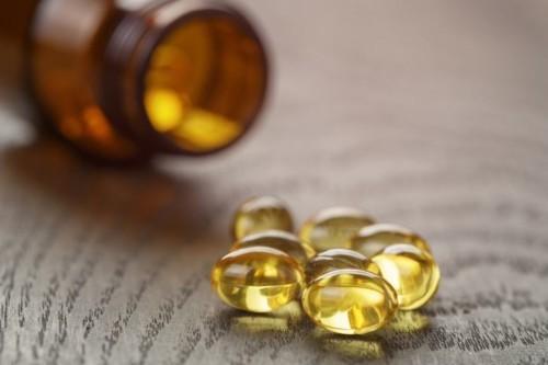 هل يغلق زيت الفيتامين E مسام البشرة؟