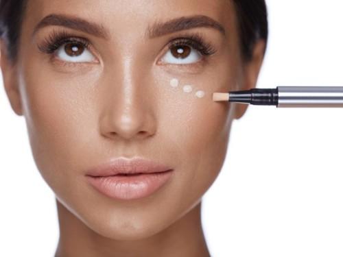 5 قواعد لتطبيق الكونسيلر حول العينين