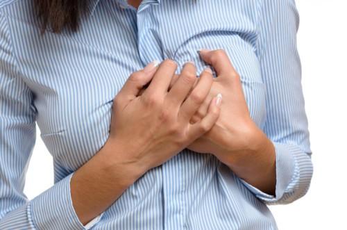 أسباب نغزات الثدي الأكثر شيوعاً