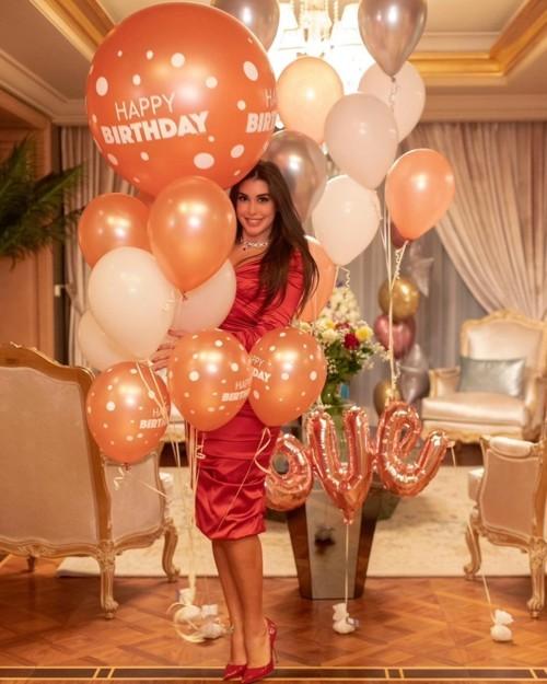 كم يبلغ سعر فستان عيد ميلاد ياسمين صبري؟