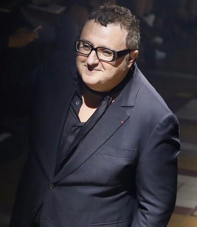 وفاة مصمم الأزياء ألبير الباز بسبب فيروس كورونا
