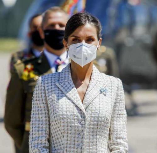 الملكة ليتيزيا تعيد ارتداء فستانها بعد 15 عاماً