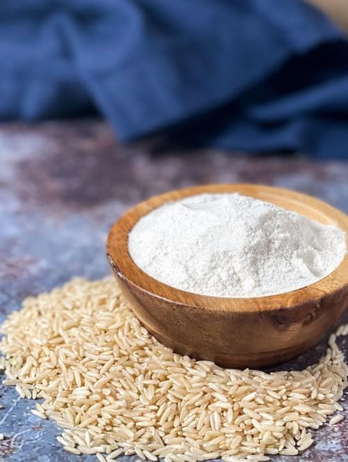 3 طرق طبيعية لتبييض البشرة بدقيق الأرزّ