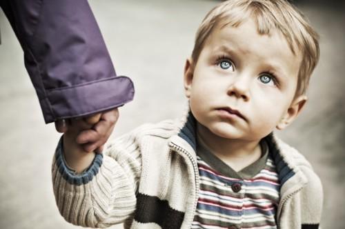 كيف يمكنك توعية أطفالك ضد التحرّش؟