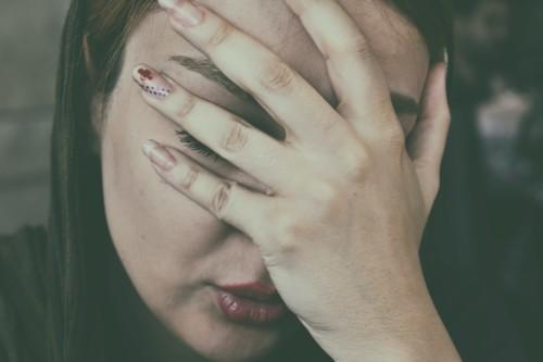 7 طرق للتخلّص من حزنك أو اكتئابك