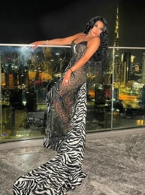 هيفاء وهبي في إطلالة ساحرة ودذابة في دبي