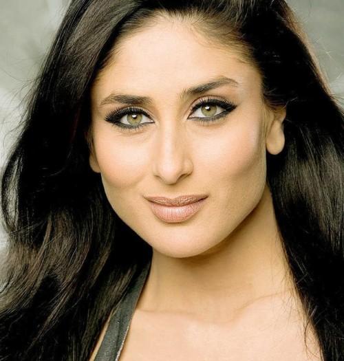 bd58a646c ما هو سرّ جمال الهندية كارينا كابور؟   ElleArabia
