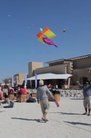 مهرجان الطائرات الورقية السنوي في منتجعات أنانتارا في جزيرة صير بني ياس
